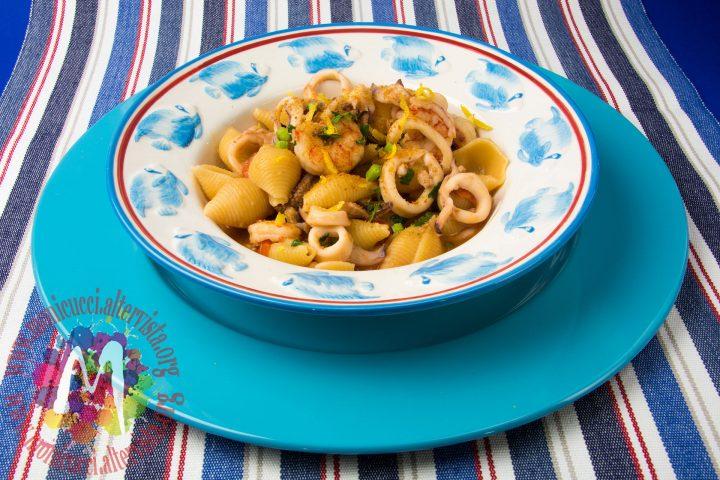 Conchigliette risottate con gamberi, calamari e bottarga2