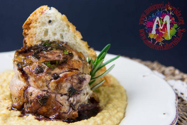 Filetto di Cinta alle erbe con lardo di Colonnata e pane croccante su crema di ceci e riduzione di Chianti4